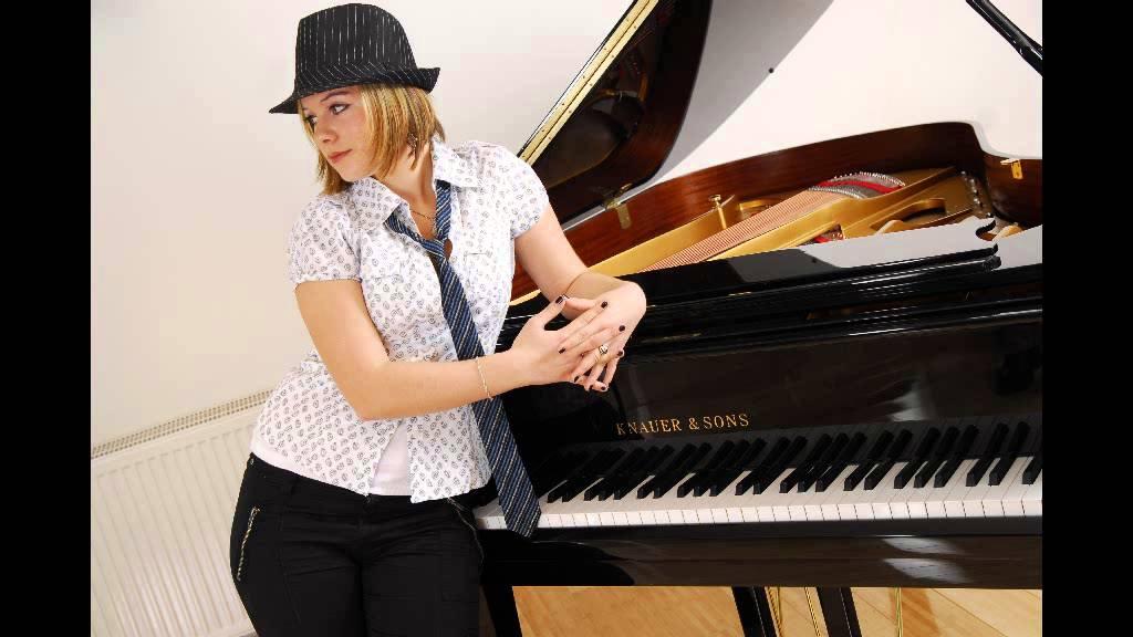 Inna Makarenko Sings Belaya Noch Ddt Cover Youtube