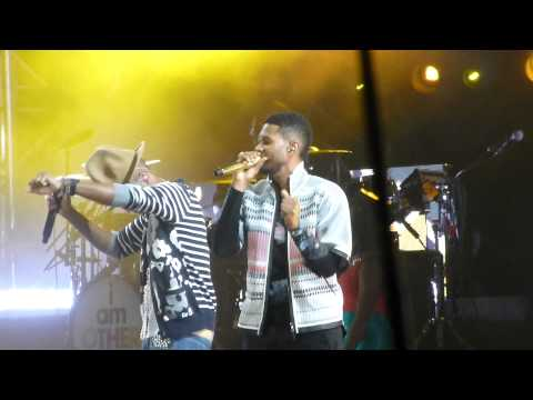 Pharrell Williams  U Dont Have to Call w Usher Coachella Festival, Indio CA 41914