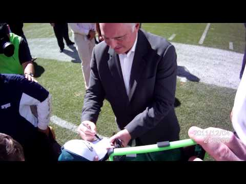 Jeff Lurie (Eagles OWNER) signs Colin's hat!