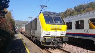 CFL Loc 3011 Met I10 Rijtuigen vertrekt van station Kautenbach.