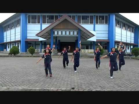 Senam Kreasi Penjaskes Universitas Bengkulu 2015 K