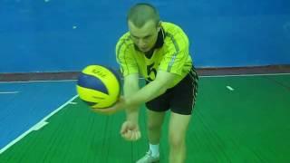 видео Техника нижней прямой подачи мяча.