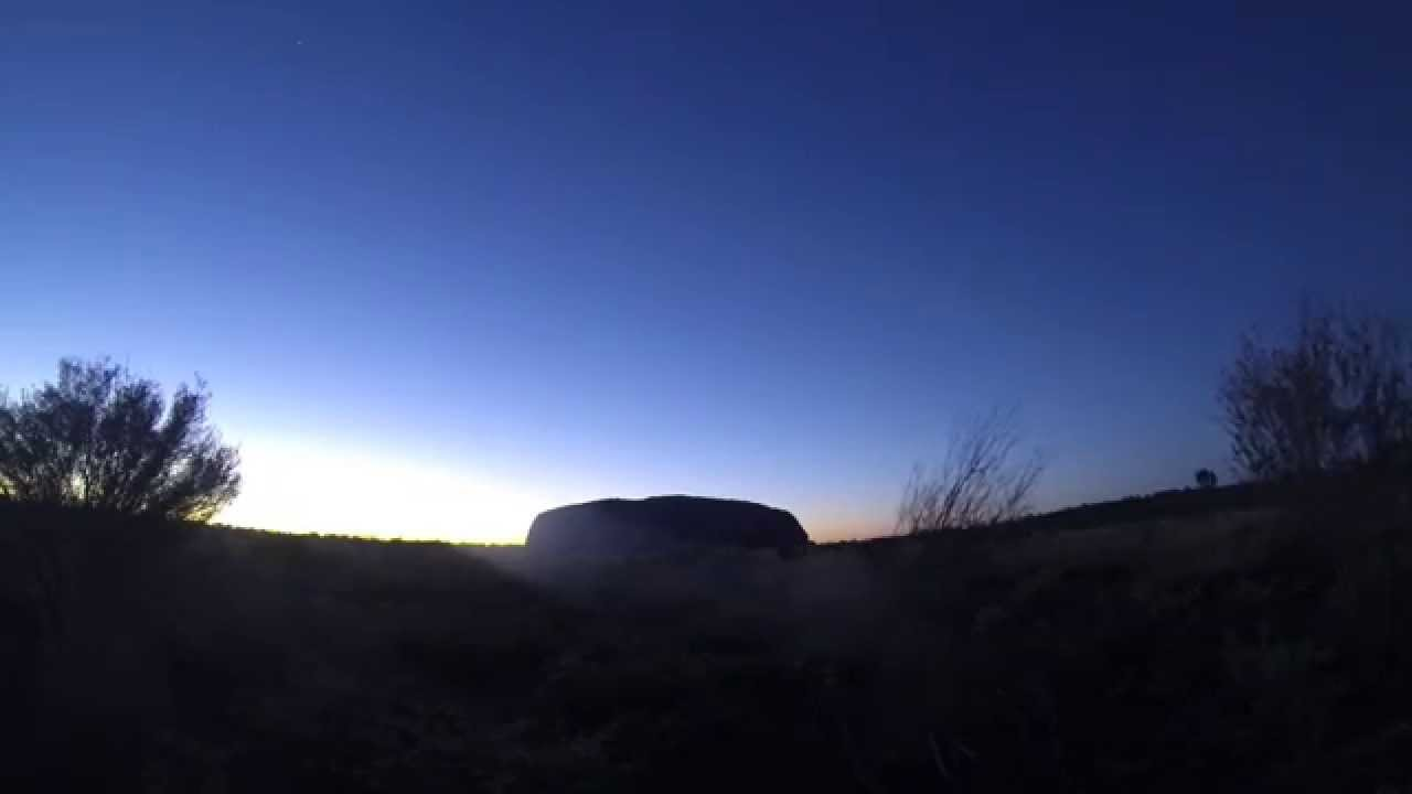 Uluru / Ayers Rock - Rockshow feat. yummy apple camel