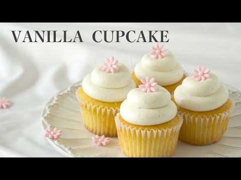[Eng SUB]촉촉하고 맛있는 바닐라 컵케이크/버터크림 만들기/ Moist And Tasty Vanilla Cupcakes