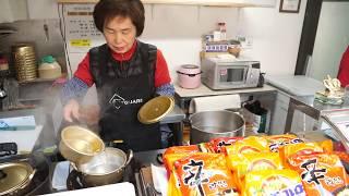 계란라면 치즈라면 떡라면 만두라면 - 신촌박스퀘어 이모네 Egg Ramen Cheese Ramen Rice Cake Ramen Dumplings Ramen - Korean Food