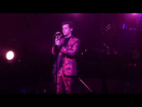 Harry Styles - WOMAN - September 28, 2017 Radio City Music Hall New York CIty