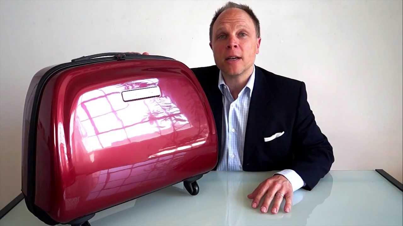 Move Mobile Closet Suitcase By Max Mirani