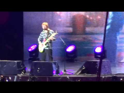 Ed Sheeran- Thinking Out Loud- X Tour Wembley Stadium 10.7.15 HD