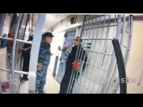 Охрана ебет заключенных