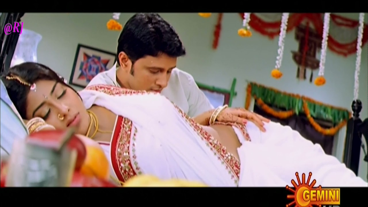 Download Sex Siren Shriya Sharan hottest First Night Scene n Song Mogudu Pellam O Dongodu 4K UHD
