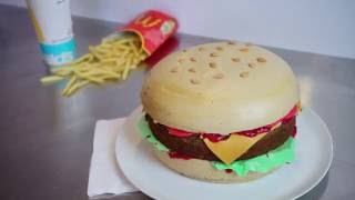 Einfache, Fondantfreie Cheeseburger Torte - Hamburgerkuchen ohne Fondant Tutorial - Kuchenfee