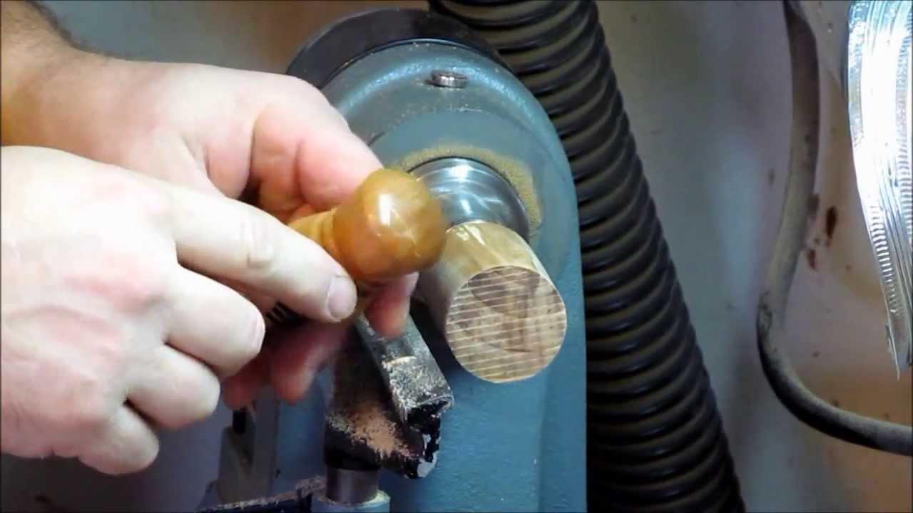 Comment tourner un bouchon de bouteille de vin youtube - Fabriquer un porte bouteille en bois ...