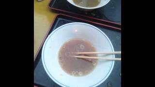 築地にお目当てのラーメンを食べに行って有名な卵焼きを食べました。 kinako 仕事 : スプーンおばさん 三姉妹の真ん中、O型、猫背のメガネ派、基...