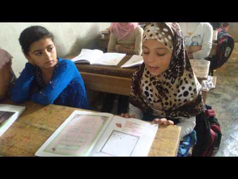 تلاوة مميزة للطالبة عائشة في الصف الرابع