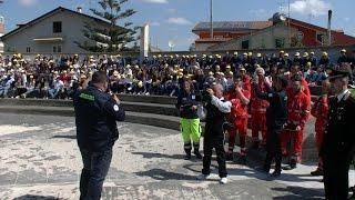 Esercitazioni della Protezione Civile tra gli studenti di Albani Roccella