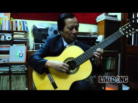 """Nghệ sỹ guitar Văn Dỵ: Vắt đàn sau lưng đánh """"Tiếng chày trên Sóc Bom Bo"""""""