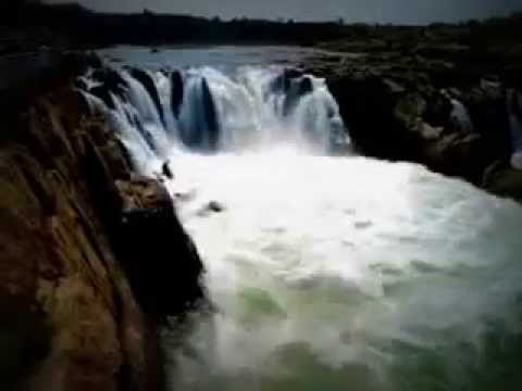 Deadly stunt in India's Most Dangerous Waterfall. - YouTube
