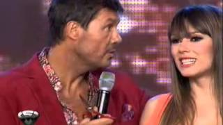 Showmatch 2011 - Marcelo le cortó la pollerita a Coki Ramírez