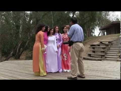 Ao Dai Viet Nam Photoshoot - Vietnamese Tradtional Dress - Nhiep Anh Gia Club
