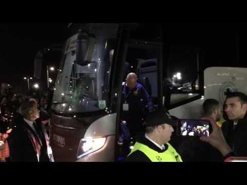 FC Barcelona players arrive at Celtic Park (23/11/16)
