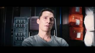 Купер смотрит сообщения за 23 года. Фильм Интерстеллар. Грустный момент/Interstellar