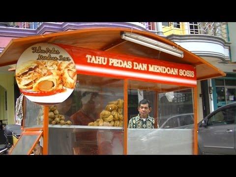 Jakarta Street Food 269 Mendoan Sosis ,Tahu Pedas Nyerocos, and  Tempe Mendoan