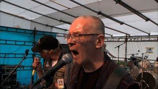 知的障害者4人のメンバーで結成されたフィンランドのパンクバンド「ペル...