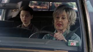 Meemaw drives Young Sheldon to College - Young Sheldon S01E19