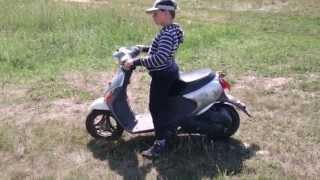 Обзор скутера Suzuki Lets 4