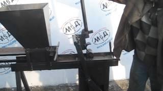Станок для изготовления кирпича лего ручной(эксперименты 7 летней давности)(На видео показаны первые кирпичницы 7 летней давности, т.к. в то время не был популярен лего-кирпич, станок..., 2015-03-07T12:04:34.000Z)