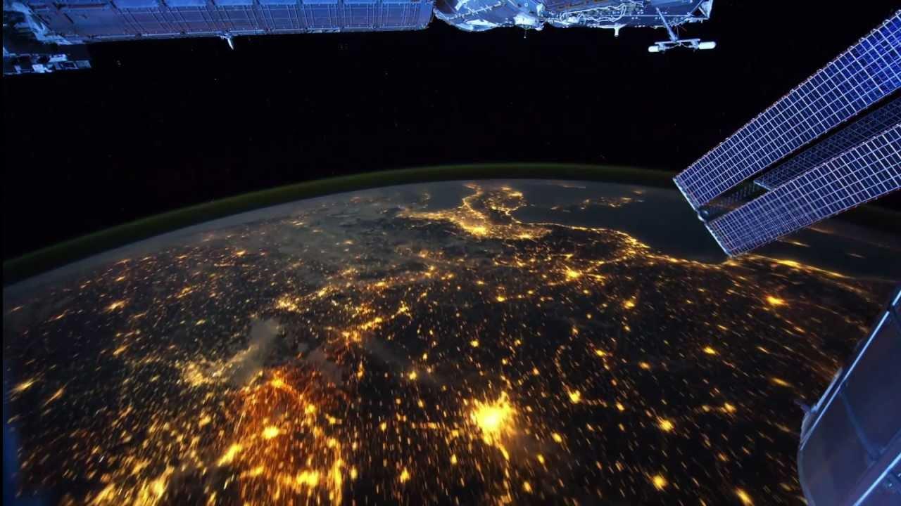Вид со спутника ночью. Очень красиво!!! - YouTube