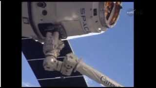 SpaceX Dragon CRS-3 Spacecraft Is Grappled By ISS Canadarm2