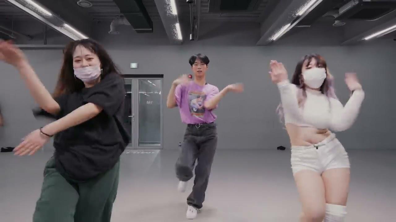 Download Ava Max - Kings & Queens / Tina Boo Choreography