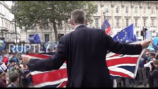 UK: Pro and anti-Brexiteers face off in central London