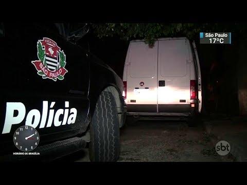 Polícia liberta refém e prende dois criminosos em São Paulo | SBT Notícias (01/12/17)