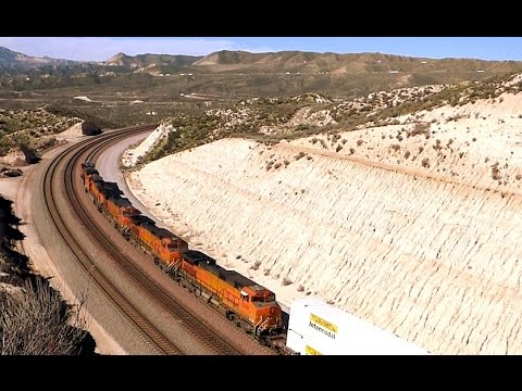 Cajon Pass (1/3) BNSF Meetup GE ES44C4 #7158 5-headed intermodal with UNION PACIFIC triple-header