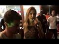 Ivete Sangalo Canta Com a Banda Moh Vibe em um Bar em Salvador