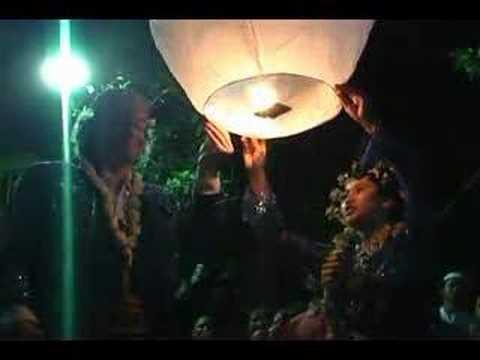 Sky Lantern In Wedding Ceremony Indonesia 19MG