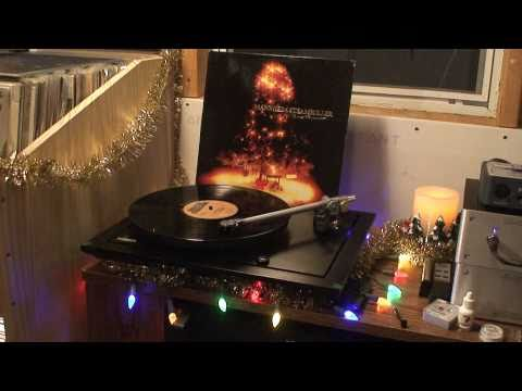 Rega P25 plays Mannheim Steamroller - Deck The Halls