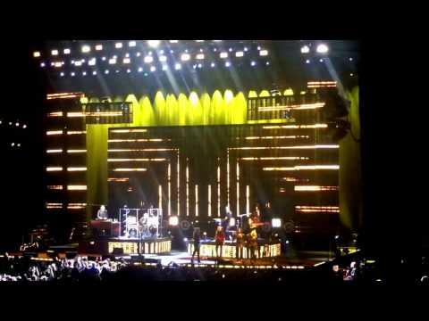Stevie Nicks - Stand Back Live (Austin, TX)