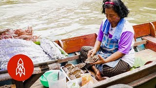 Thailand's Floating Markets Serve Up a Feast on the Water
