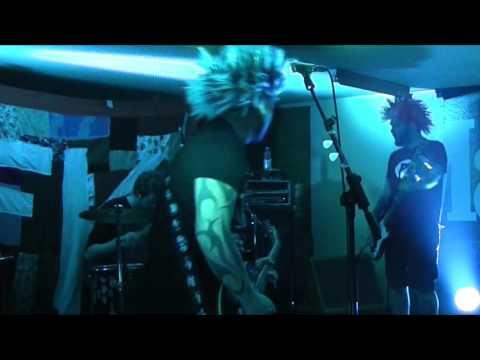 Tanzende Kadaver  Punk Perücke  im Tegtmeyer  09042016