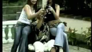 YouTube - JOHN JAIRO PEREZ - 2004 - Como hermanitas.mpeg