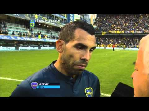 El debut de Tevez en videos y fotos