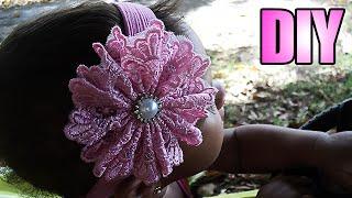 Tiara de meia de seda com flor de renda