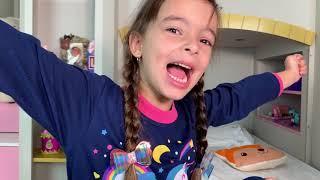 Laurinha e uma história engraçada sobre uma enorme espinha colorida