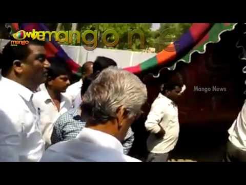 Clash Between TRS Corporator Annishetty Murali And Naini Rajendar Reddy | Mango News