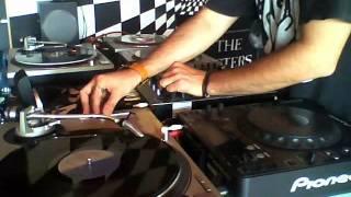 "Pinxadita_6 parte 2_4 Revenge - Pineapple Face (Crimson Clover Mix"" By Steve Smith) ++"