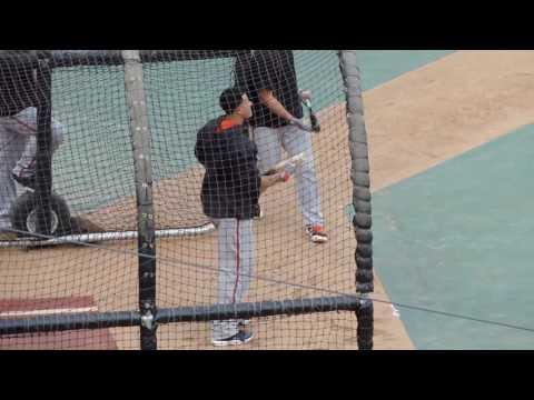 Baltimore Orioles 3B/SS Manny Machado takes BP