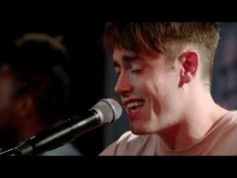hippo campus – western kids (live at youtube space nyc)